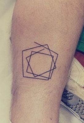 Tatuagem geométrica minimalista