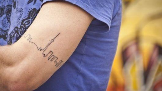tatuagens masculins pequenas linhas cidade