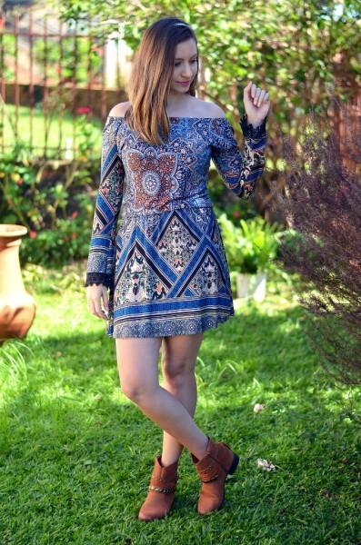 vestido com bota de cano curto