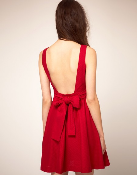 vestido com decote nas costas drapeado vermelho