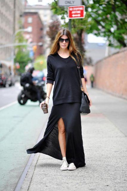 vestido com tênis com vestido preto longo