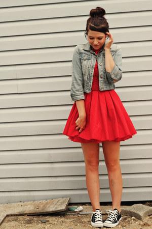 tendências de vestido com tênis