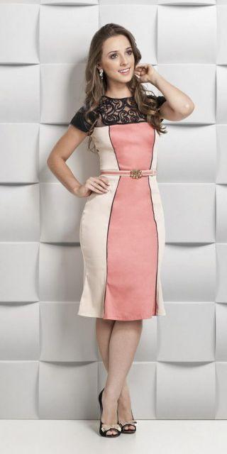 vestido com tule bordado colorido