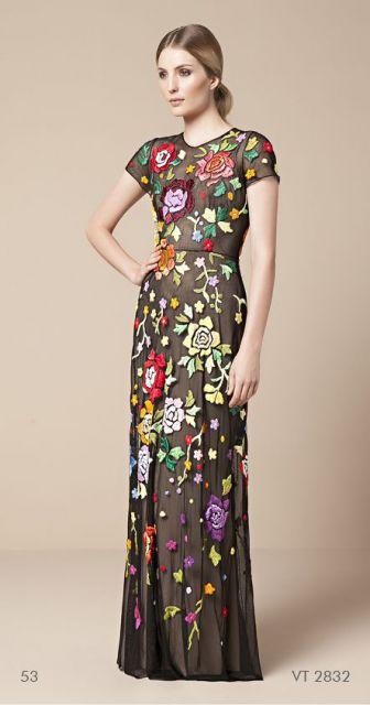 vestido com tule bordado longo