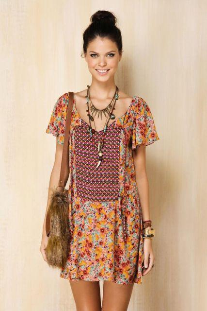 vestido hippie acessórios
