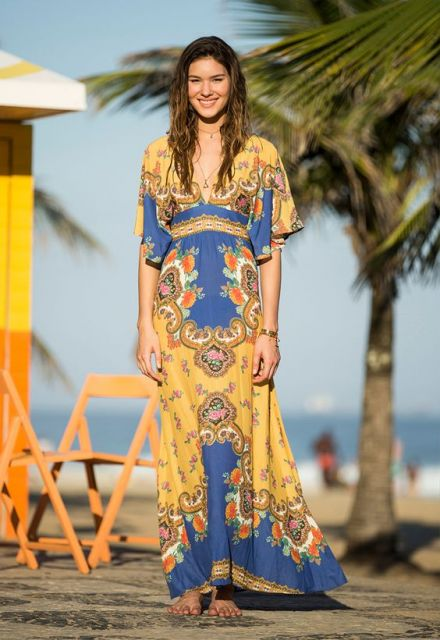 vestido hippie amarelo