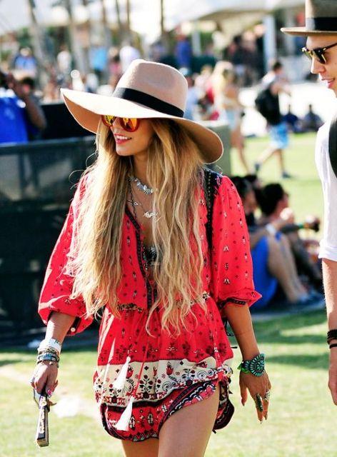 vestido hippie chapéu