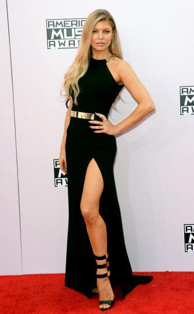 vestido-longo-com-fenda-preto fergie