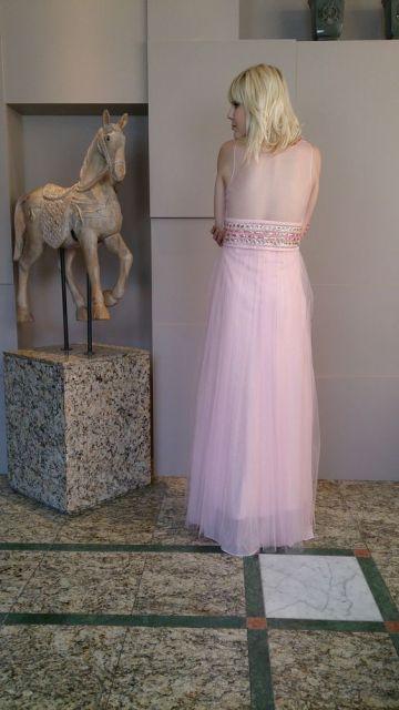 vestido longo com tule