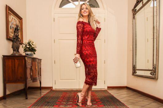vestido midi renda vermelha