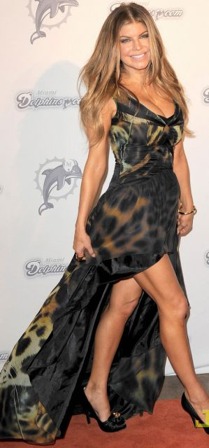 vestido mullet longo da Fergie