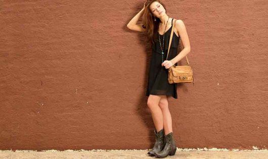 como usar vestido combinando com bota country feminina