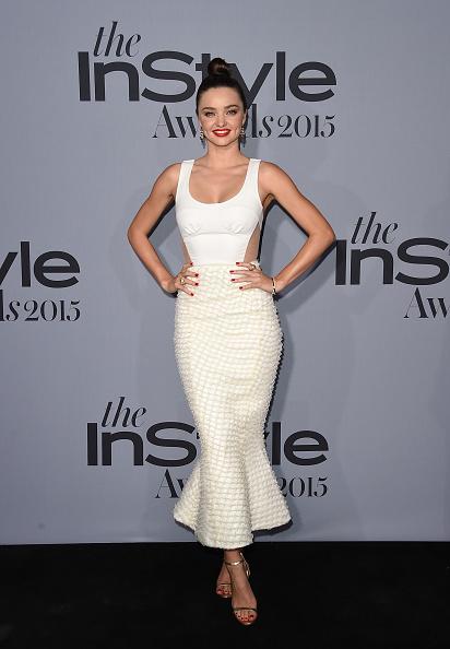 vestido branco moderno