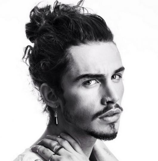 cabelo ondulado masculino samurai