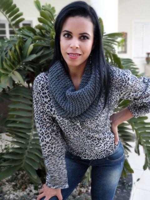 cachecol de tricô combinado com a roupa