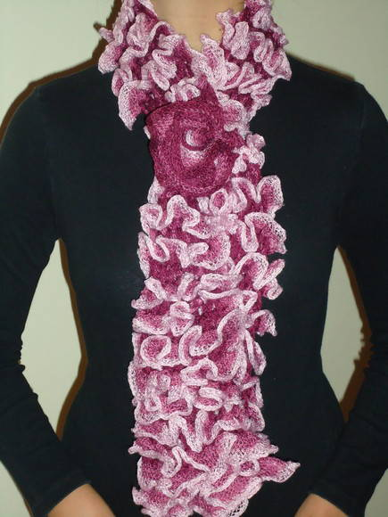 cachecol-de-trico-com-flor