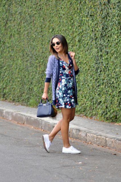vestido com tênis