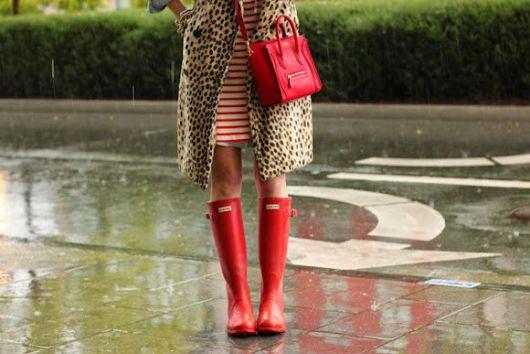 galocha feminina vermelha com bolsa vermelha