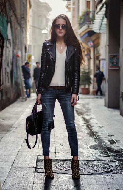 jaqueta de couro com calça skinny