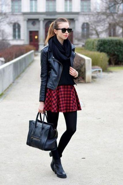 jaqueta de couro com saia