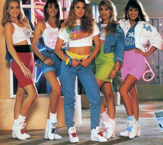 moda anos 80 tênis