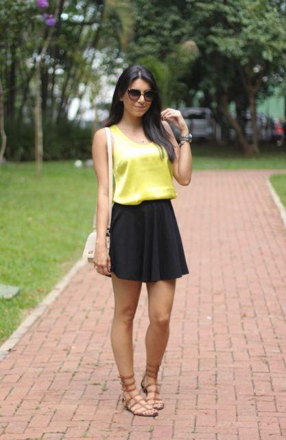 saia preta com blusa amarela