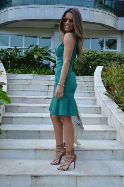 vestido peplum verde