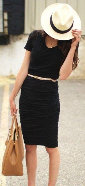 vestido tubinho preto com chapéu