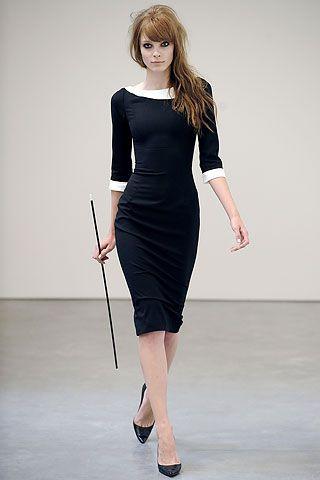vestido tubinho preto com salto