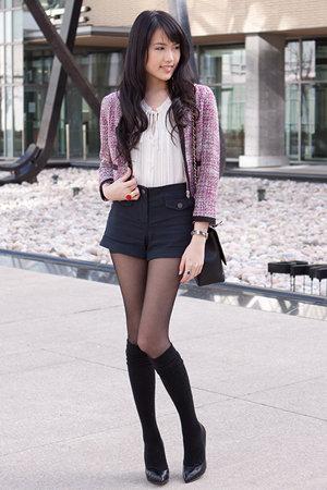 casaco tweed com short curto