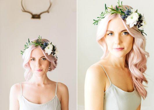 exemplo romântico de como usar coroa e tiara de flores