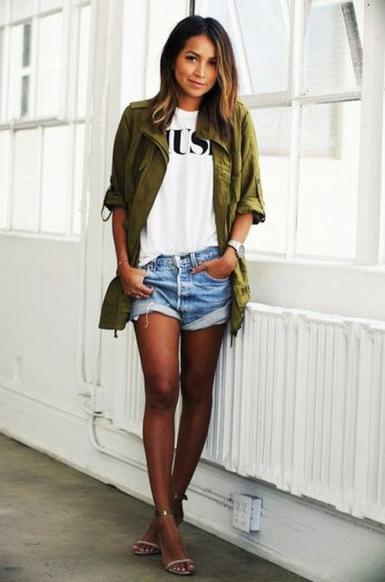 look despojado com short jeans