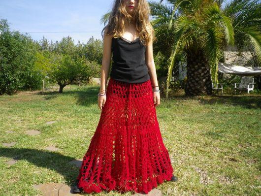 saia longa de crochê cor vermelha