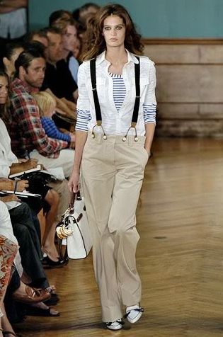calça social e suspensório feminino
