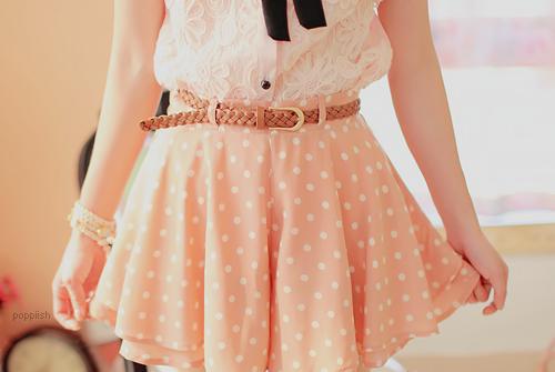 vestidos fofos com cinto de couro