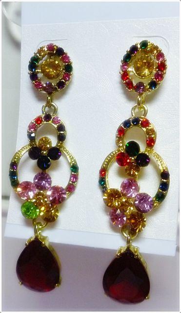 brincos de festa com pedras coloridas