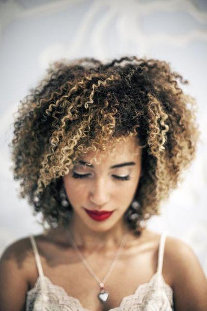 cabelo descolorido pontas