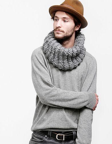 homem com gola tricô