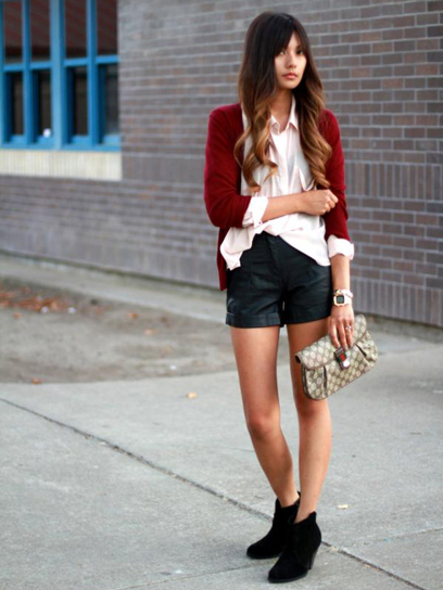 looks com ankle boot com short preto