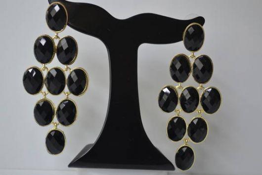 brincos de festa com pedras pretas