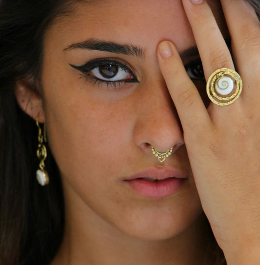 piercing no nariz indian