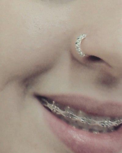 piercing no nariz strass