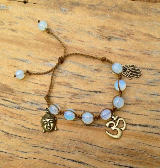 pulseiras hippie com pingentes e pedra da lua