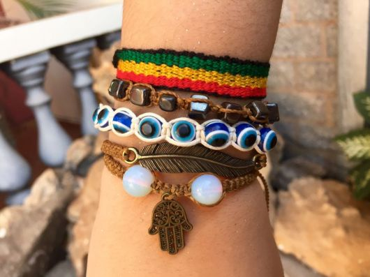 mix de pulseiras hippie