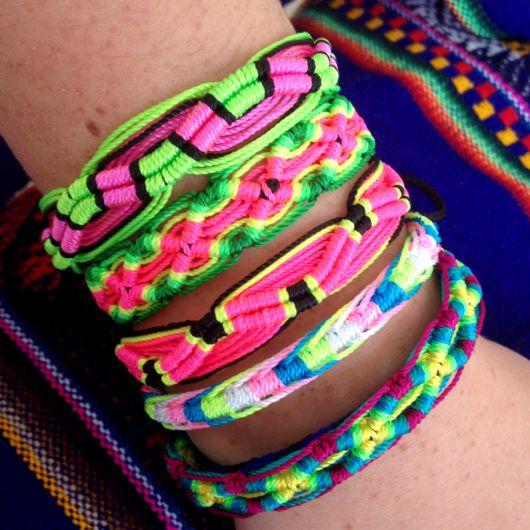 pulseiras hippie moda macramê