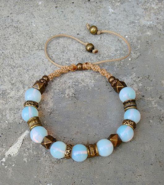 pulseiras hippie com a pedra da lua