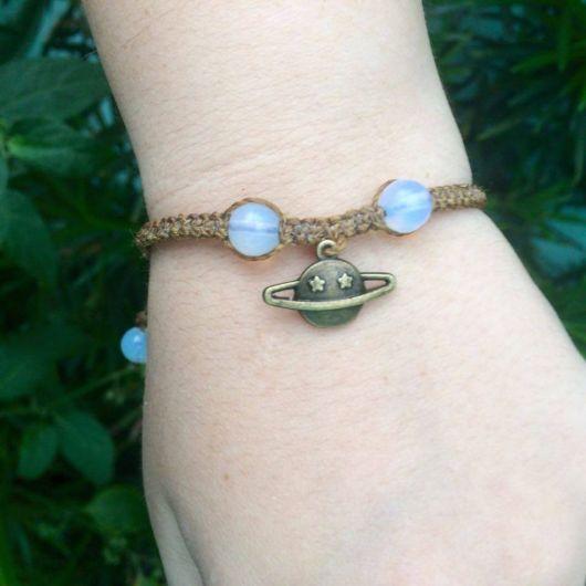 modelos de pulseiras hippie com pedras da lua