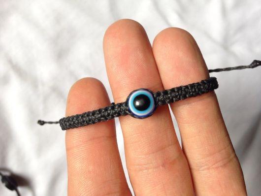pulseiras hippie preta com olho grego