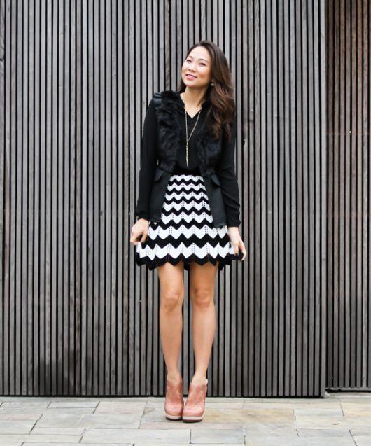 saia de tricô preto e branco