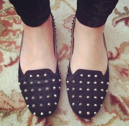sapatilha com spikes preta slipper